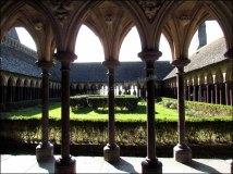 Manche - Mont saint-Michel - Abbaye du Mont-Saint-Michel, intérieur, cloître